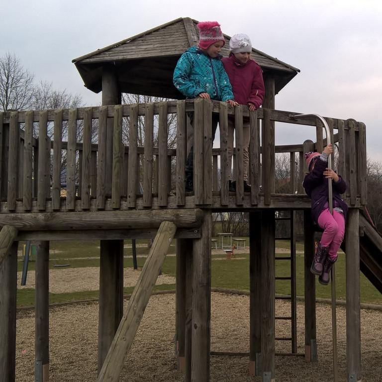 Kinderspielplatz2